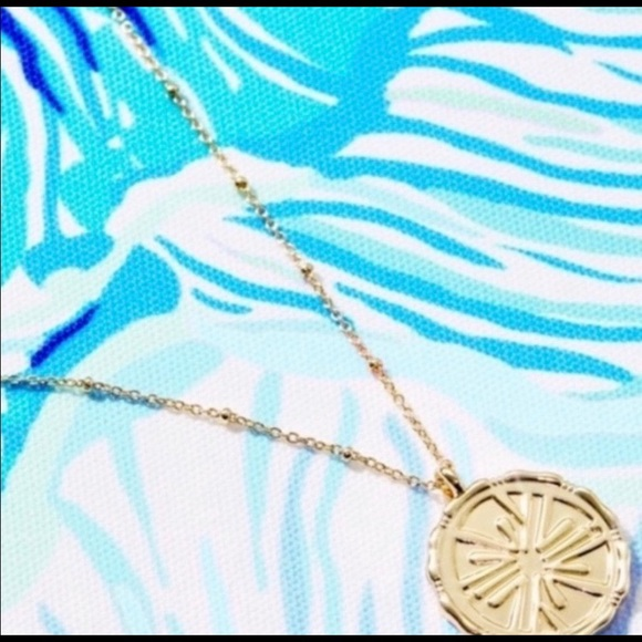 NWT Lilly Pulitzer Charm Necklace